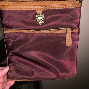 Cross body Michael Kors purse